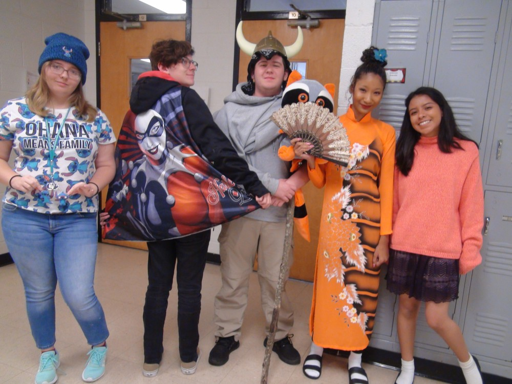 Red Ribbon Week: Students Promote Favorite Characters Wednesday